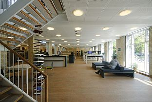 Aarhus University, Social Sciences Library interior. C.F. Møller. Photo: Julian Weyer