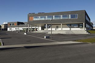 Health and community centre, Aalborg East. C.F. Møller